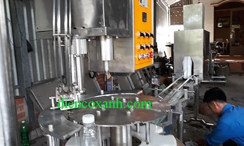 Dây chuyền chiết rót tự động dạng thẳng công suất 1500 chai