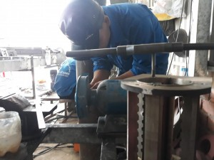 Những anh thợ đam mê chế tạo máy trộn